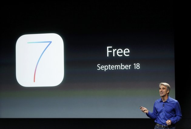 Craig Federighi, Senior VP of Software Engineering at Apple Inc talks about iOS7 during Apple Inc's media event in Cupertino, California September 10, 2013. REUTERS/Stephen Lam (UNITED STATES - Tags: BUSINESS SCIENCE TECHNOLOGY BUSINESS TELECOMS)