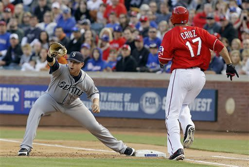 Lowe, Rangers shut out Mariners, 5-0
