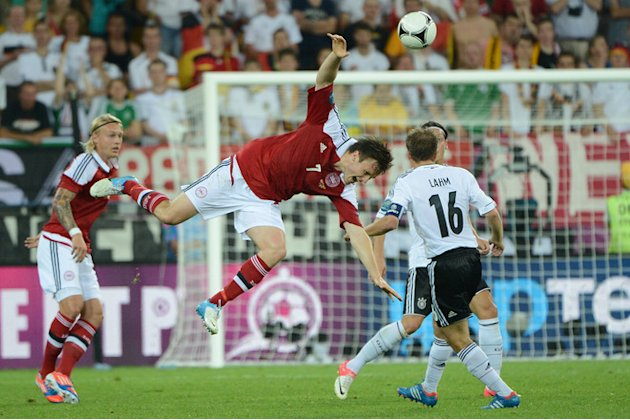 Danish Midfielder William Kvist (C) Goes AFP/Getty Images