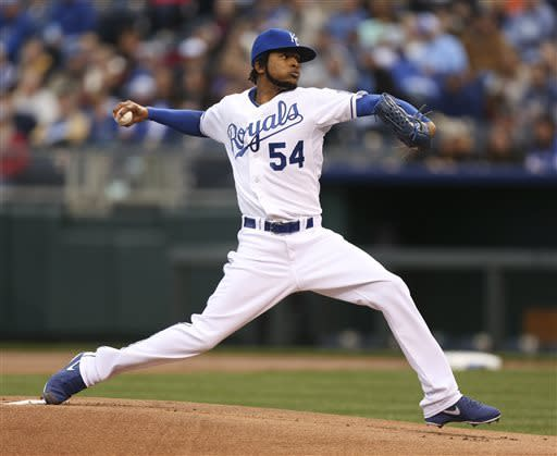 Santana pitches Royals past Indians