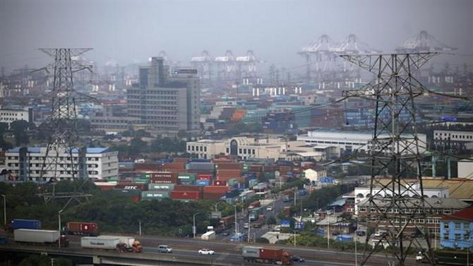A general view of the new Shanghai Free Trade Zone in Pudong district, Shanghai September 29, 2013. REUTERS/Carlos Barria