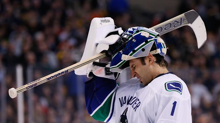 Roberto Luongo finally traded by Canucks to Florida Panthers, e…
