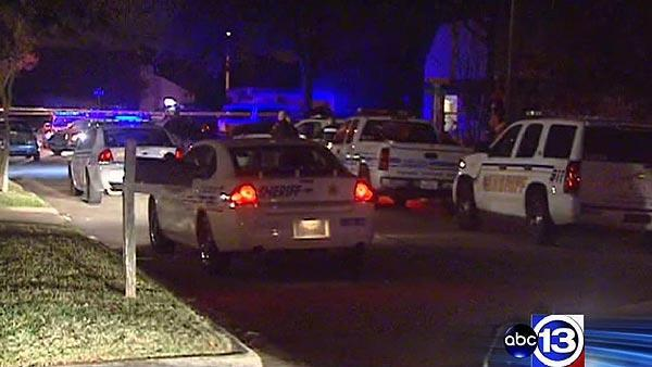 Deputies investigating woman's shooting death