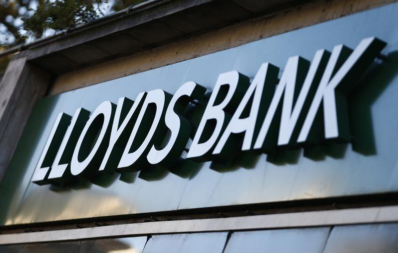 Britain cuts stake in Lloyds Banking Group to below 21 percent
