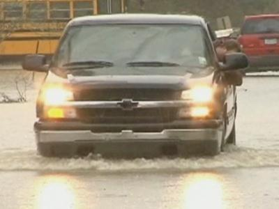 Raw: Rain, Flooding Across Louisiana