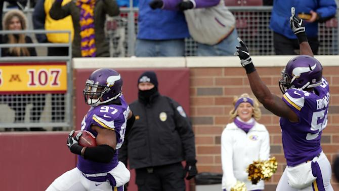 Vikings hold block party in 31-13 win vs. Panthers