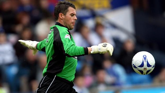 Alan Combe has joined Hearts as goalkeeping coach