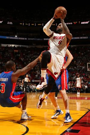 Streak now 25, as Heat rally past Detroit 103-89