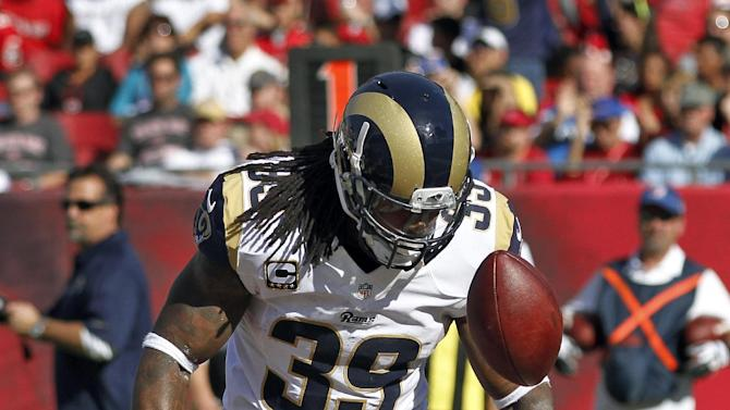 St. Louis Rams running back Steven Jackson (39) celebrates after scoring a touchdown against the Tampa Bay Buccaneers during the second quarter of an NFL football game on Sunday, Dec. 23, 2012, in Tampa, Fla. (AP Photo/Reinhold Matay)