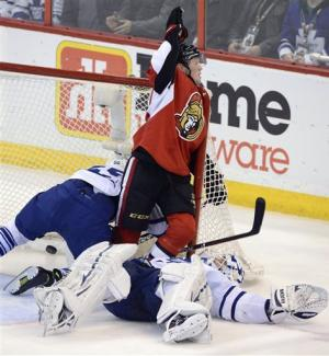 Greening's late goal gives Sens 3-2 win over Leafs