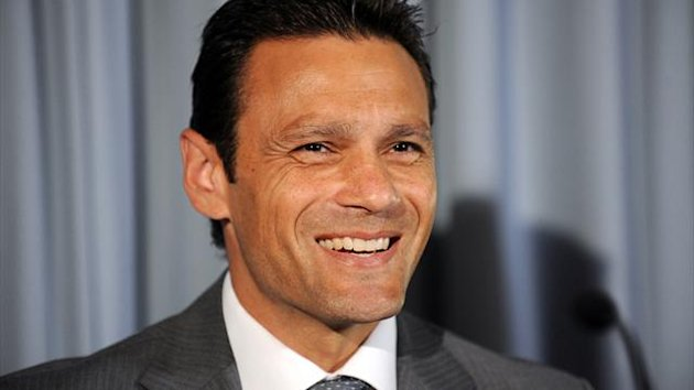 Middlesex have appointed Mark Ramprakash as batting coach