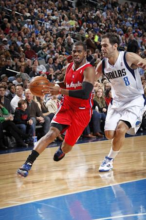 Clippers' Paul frustrated over his shoulder injury
