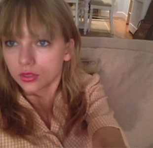 Titanic, Pyjamas And Pet Cat! Inside Taylor Swift's Evening Off From 'Red' Tour