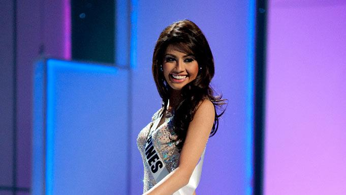 "Miss Philippines 2011, Shamcey Supsup competes in her choice evening gown, as one of the top 10 contestants, during the ""60th Annual Miss Universe"" presentation show from São Paulo, Brazil."