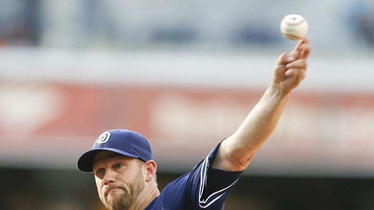 Stults, Padres hand Giants third straight loss