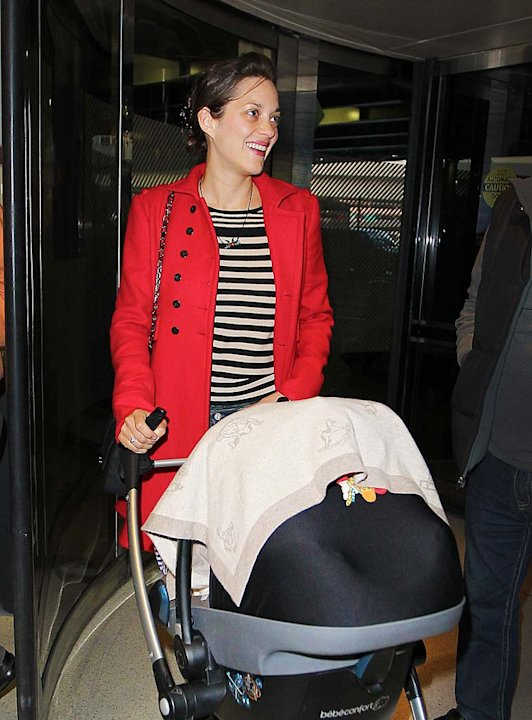 Marion Cotillard JFK Airport