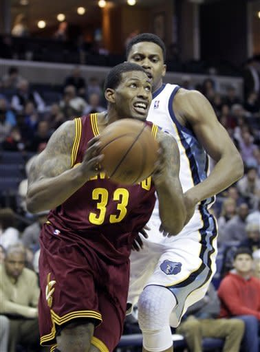 Grizzlies overcome slow start to beat Cavs 84-78