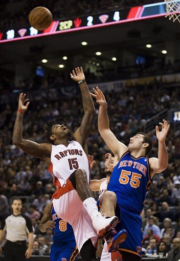 DeRozan scores 30 as Raptors cruise past Knicks