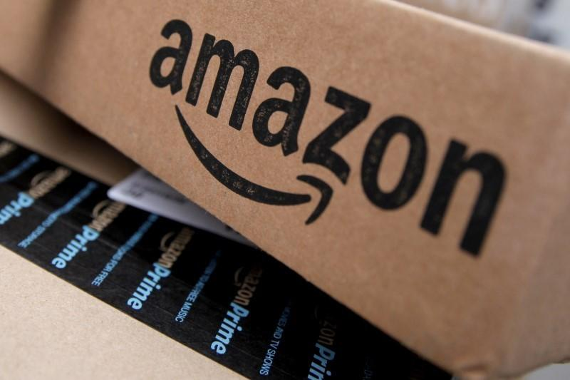 Amazon forecast for holiday season disappoints as investment rises