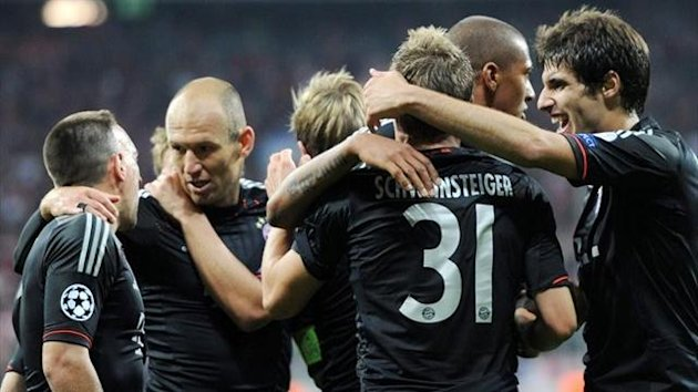 Bayern players celebrating goal