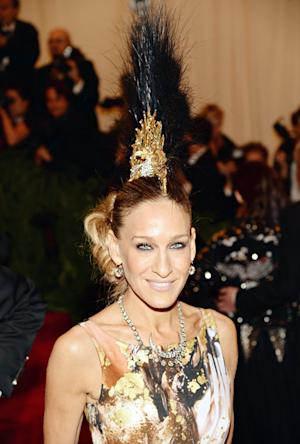 Sarah Jessica Parker Rocks Giant Mohawk Headdress at Met Gala 2013