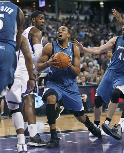 Kings hand Wolves third straight loss