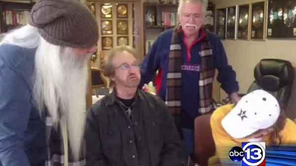 Hospitalized Bush serenaded by Oak Ridge Boys