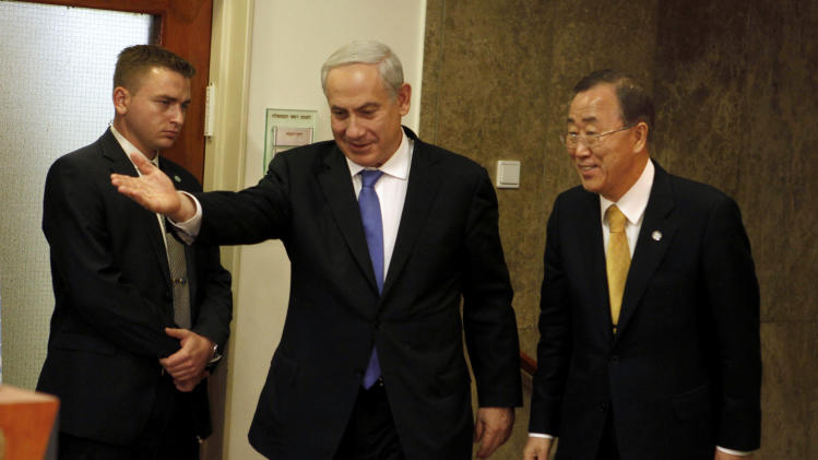 United Nations Secretary-General Ban Ki-moon, right, meets with Israeli Prime Minister Benjamin Netanyahu in Jerusalem, Tuesday, Nov. 20, 2012. Ban is in the region as part of an international diplomatic push to end nearly a week of fighting between Israel and Hamas.(AP Photo/Lior Mizrahi, Pool)