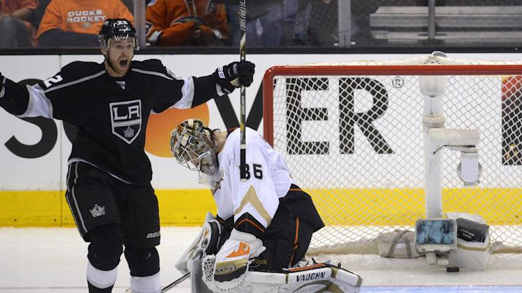 LA Kings force Game 7, beating Anaheim Ducks 2-1