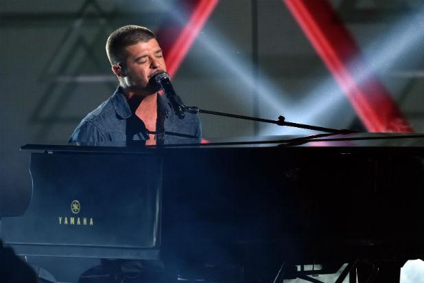 Robin Thicke Performs Music Medley on Stand During 'Blurred Lines' Copyright Trial