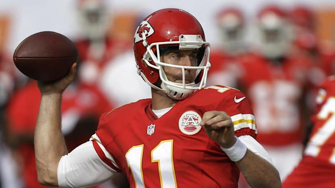 Alex Smith leads Chiefs past Dolphins 34-15