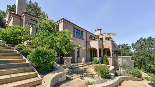 Steph Curry Wins a $3.2M Mansion in Walnut Creek