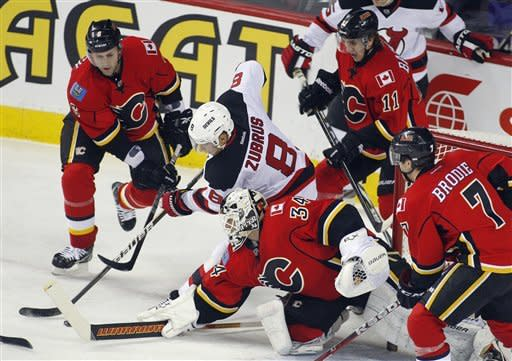 Glencross, Iginla lead Flames past Devils, 6-3