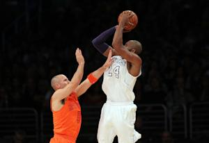 Lakers beat Knicks 100-94 to get to .500