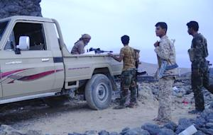 Armed Yemeni fighters loyal to President Abedrabbo …