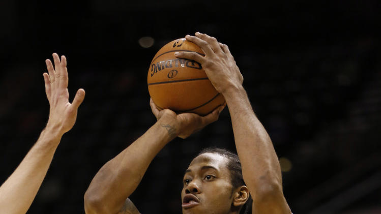 NBA: Atlanta Hawks at San Antonio Spurs