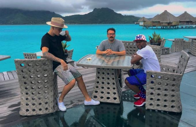 "Floyd Mayweather Is ""Enjoying the Retired Life"" by Vacationing With Justin Bieber in Bora Bora"