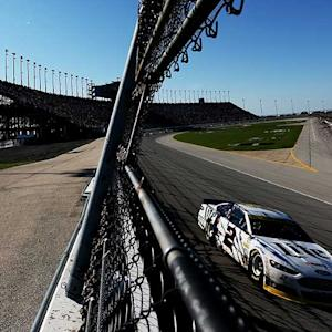 Bold move pays off for Keselowski in Chicago
