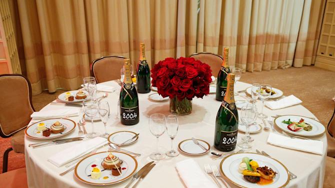 Golden Globes Menu/Table Preview At The Beverly Hilton