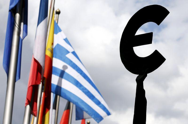No change in Greek debt talks after another day of spin