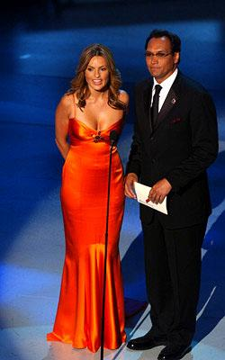 Mariska Hargitay and Jimmy Smits Emmy Awards - 9/18/2005
