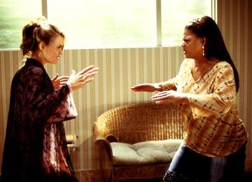 Missi Pyle and Queen Latifah in Touchstone's Bringing Down The House