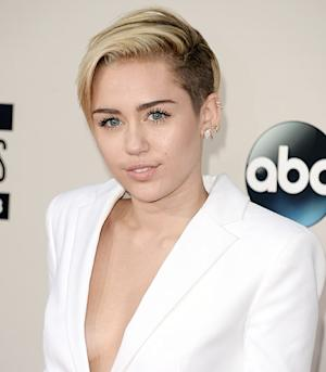"Miley Cyrus: I want a Boyfriend Who Will Wear ""Jean on Jean With Me"" Like Britney Spears and Justin Timberlake"