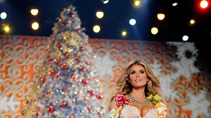 Marissa Miller walks the runway at the 2007 Victoria's Secret Fashion Show.