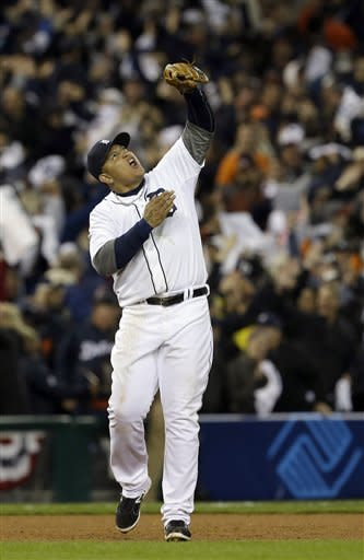 Tigers top Yankees 2-1, need 1 win for pennant