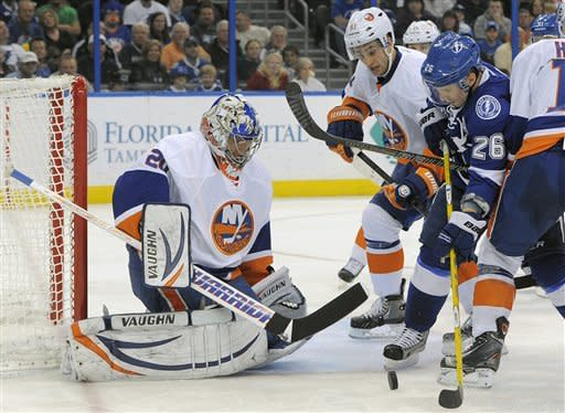 Isles' Nabokov earns 54th shutout in win over TB