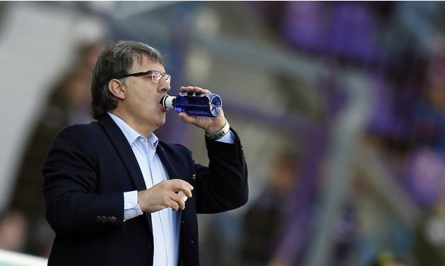 "Barcelona's coach Gerardo ""Tata"" Martino drinks water during their Spanish first division soccer match against Valladolid in Valladolid"