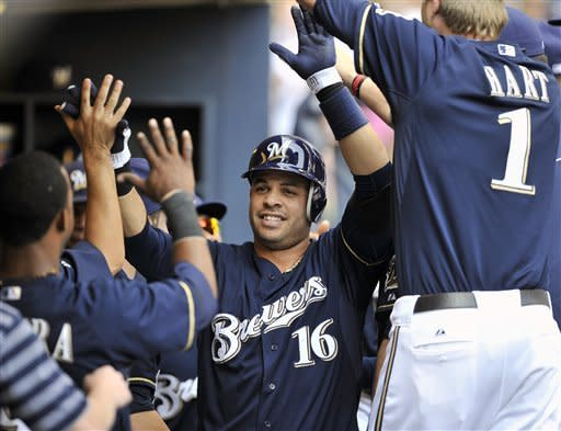 Braun homers twice, Brewers top Mets 3-0