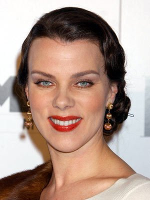 Debi Mazar at the Hollywood premiere of Miramax Films' The Aviator