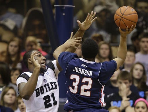 No. 15 Butler rolls past struggling Duquesne 68-49